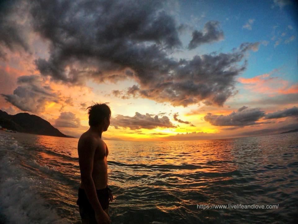White Beach Sunset Puerto Galera Live Life And Love